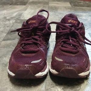 Asics kayano-21 gel maroon running shoe size 9.5